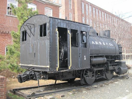 Paterson Museum: an old switcher engine.