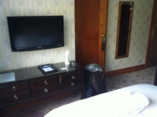 Mountbatten Court: my room