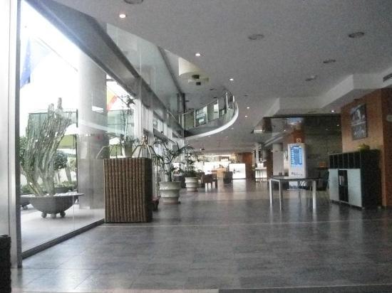 Sercotel Malaga: Hotel reception