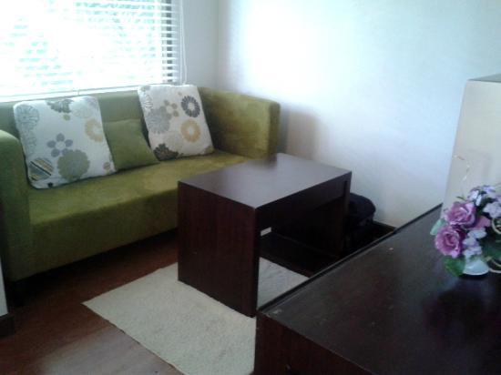 Villa Paradis : Couch Area