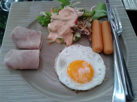 Villa Paradis : Breakfast