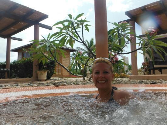 Outdoor hot tub @ YHI Spa