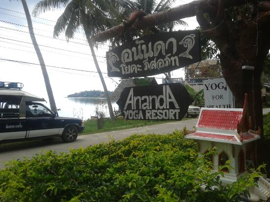 Ananda Wellness Resort: Signage to Anana Yoga Resort