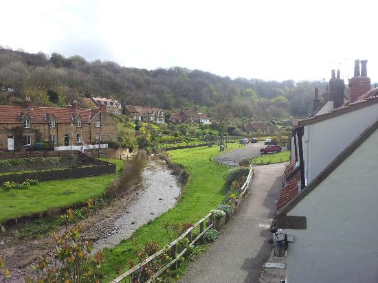 Sandsend Cottages: Views upstream from the house and garden