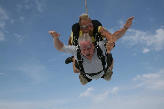 Skydive Indianapolis: Oh what a rush