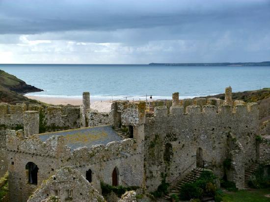 Manorbier Castle: Manorbier to the sea