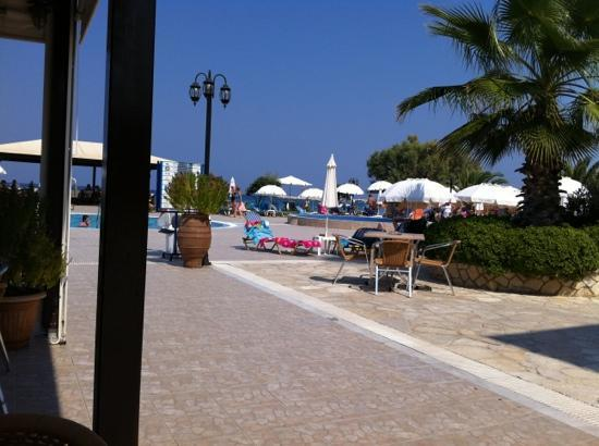 Alykanas Beach Apart-Hotel: one view from the pool side bar