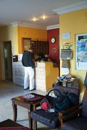 Mariam Hotel: Reception