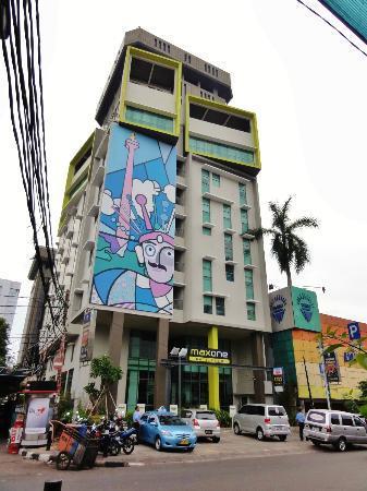MaxOneHotels at Sabang: fachada