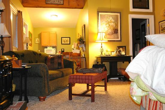 Piney Hill Bed & Breakfast: Rosebud Cottage