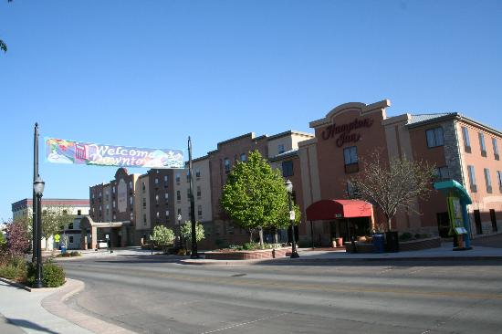 Hampton Inn Grand Junction: The building on Main St (Historic District entrance).