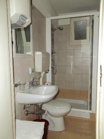Albergo Vittoria: bagno