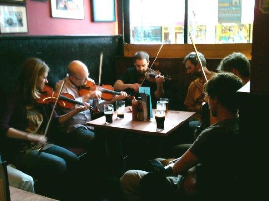 The Druid: Excellent, foot-tapping Irish music!