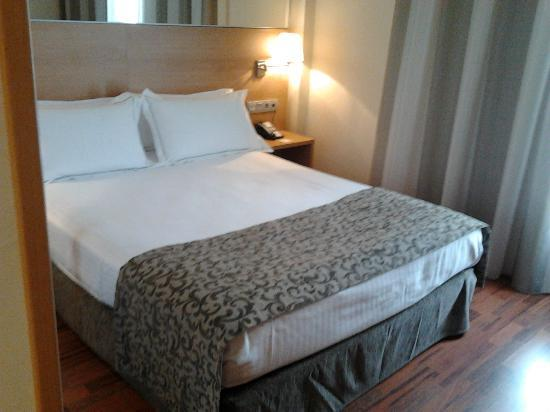 Hotel Desitges: Cama