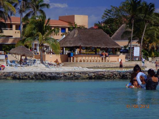 Villas Del Mar: The bar next door