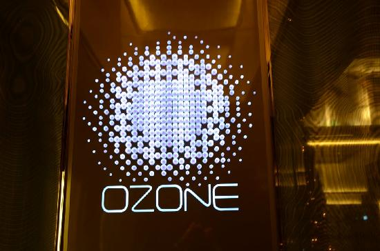 Very Cool entrance above the Ritz - Picture of Ozone Bar