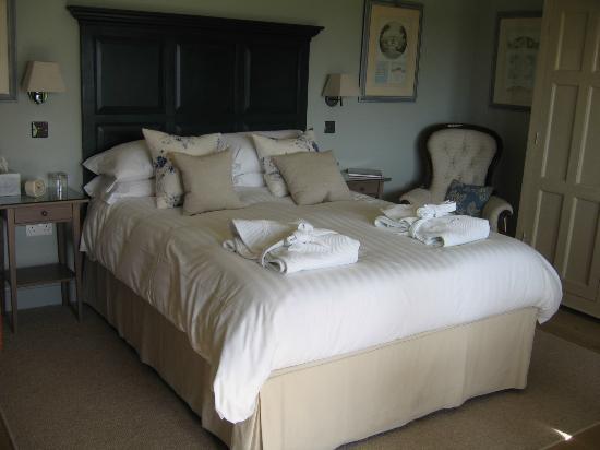 Magazine Wood: Comfy bed