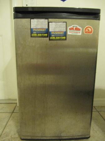 Rock Lake Resort: FRIDGE WAS ASLO FILTHY!