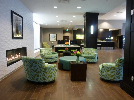 Holiday Inn Hotel & Suites Saskatoon Downtown: Lobby