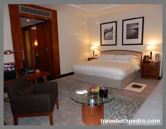 Jumeirah Emirates Towers: My bedroom