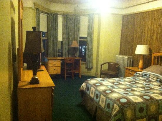 Duncan Hotel Room