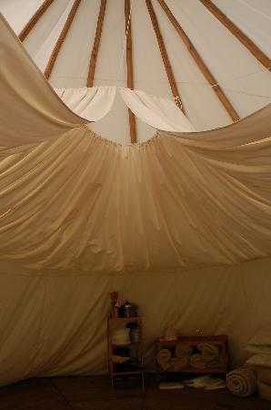 Camping de l'Aumone : Intérieur tipi