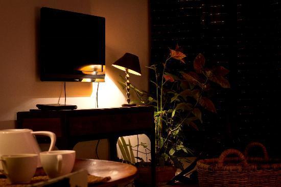 Chambre d'Autres et Suite du Merle Blanc: Salon/Salle à manger