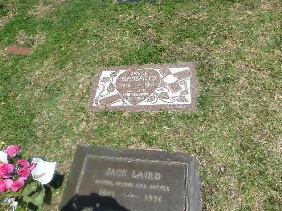Hollywood Forever Cemetery: mansfield