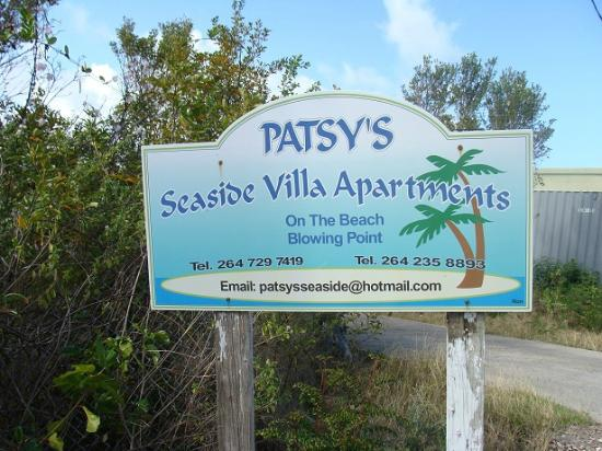 Patsy's Seaside Villas: Sign