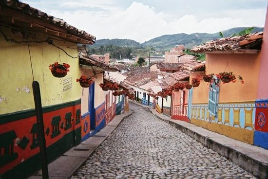 Piedra del Peñol:                                                       Guatape, the closest town to Piedra de Pen