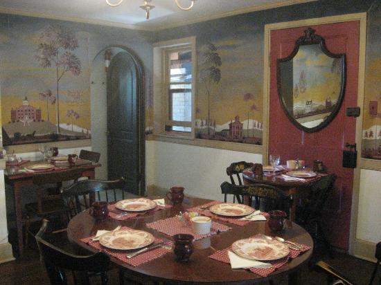 The Brafferton Inn Bed and Breakfast: Breakfast Room