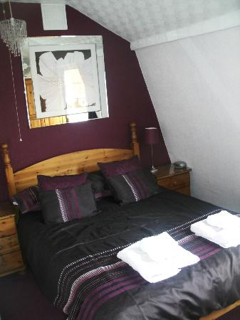 The Toulson Court: Lovely bedroom!