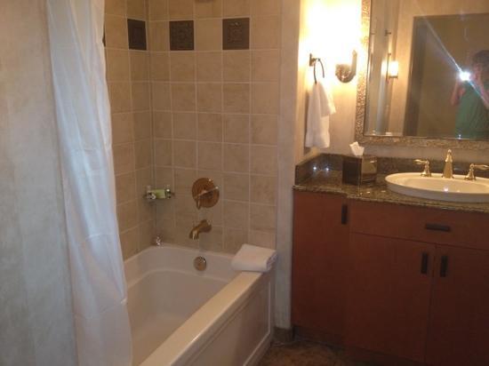 بلوجرين سيبولا فيستا ريزورت آند سبا: 1 bedroom junior bathroom