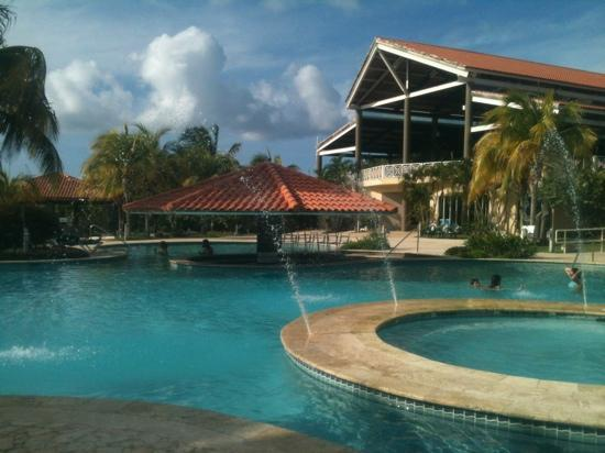 Sea Breeze Hotel: pool