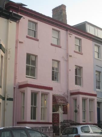 Arches Guesthouse: front of b&b