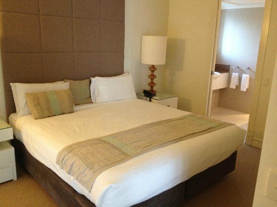 Novotel Twin Waters Resort : Lagoon Room - Bedroom