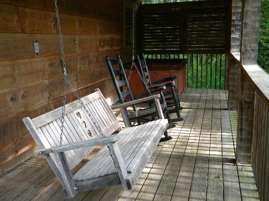 Dancing Bear Lodge : Back porch - Newfound Gap cabin