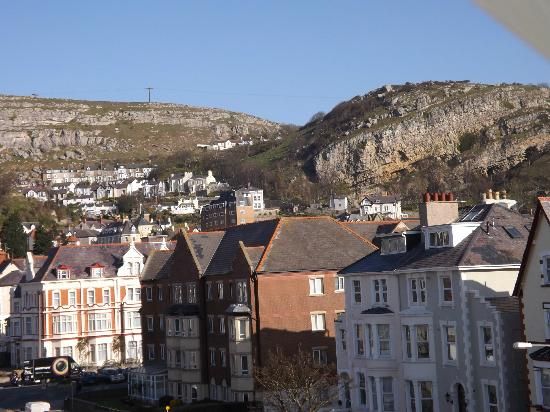 Del-Mar Bed & Breakfast: Great Orme (view from top floor room)