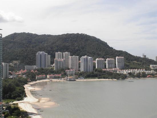 Rainbow Paradise Beach Resort: Aussicht auf den Strand