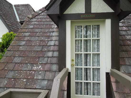 Hillbrook Inn: Door To The Snuggery.