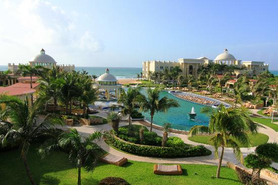 Iberostar Grand Hotel Paraiso: The beautiful view