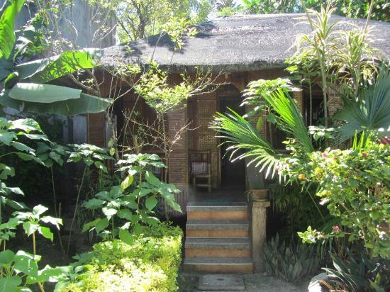 Ocean Breeze Inn Boracay: Das Nipa-Bungalow