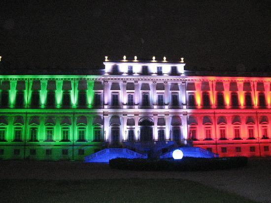 la villa reale d'estate variazioni di colori di sera