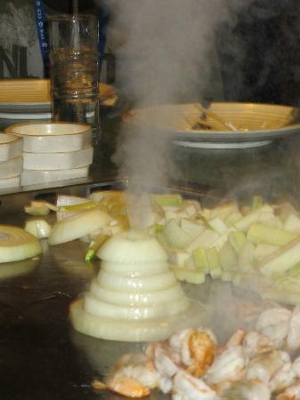 Kyoto Japanese Steak House & Sushi Bar: SMOLDERING VOLCANO