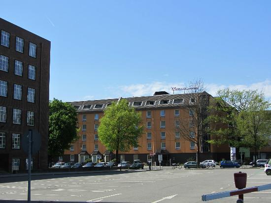 Mercure Hotel Berlin City West: Aussenansicht Hotel