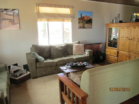 Angel Valley Bed and Breakfast: Sitting room for R&R