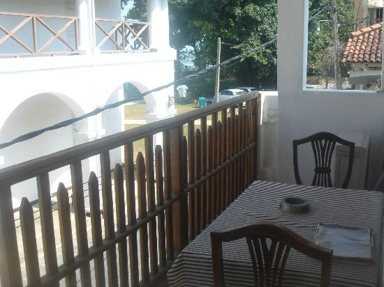 Thenu Rest Guest House: balcony