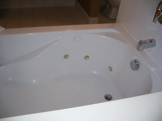 Hilton Garden Inn Cleveland/Twinsburg: Whirlpool Tub