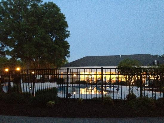 Residence Inn Chapel Hill : pool