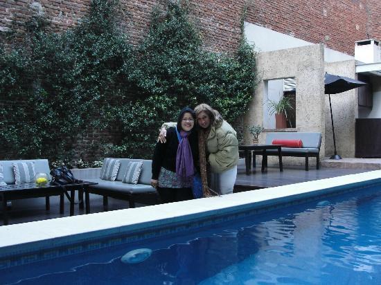 Ribera Sur Hotel: esto es en la bellisima piscina, con un agradable ambiente que tiene